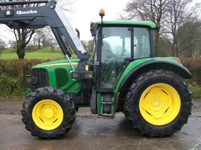 JOHN DEERE 6220 SE with Quicke Q45 loader
