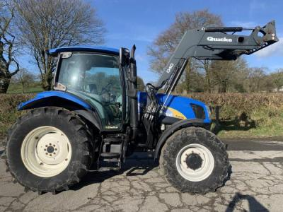 NEW HOLLAND T6030 with Quicke Q40 loader
